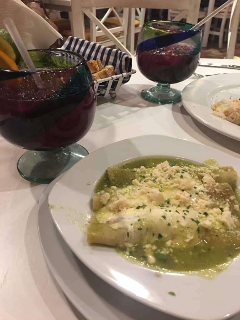 Enchiladas in Green Sauce