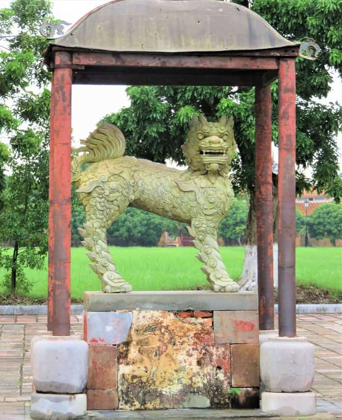 Hue-Citadel-Lion