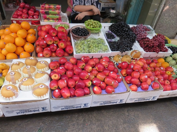 Saigon-HoChiMinh-Market-Fruit