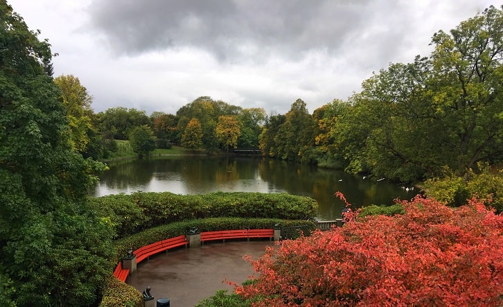 Oslo Layover: Frogner Pond Surrounded by the Beginning of Fall Colors