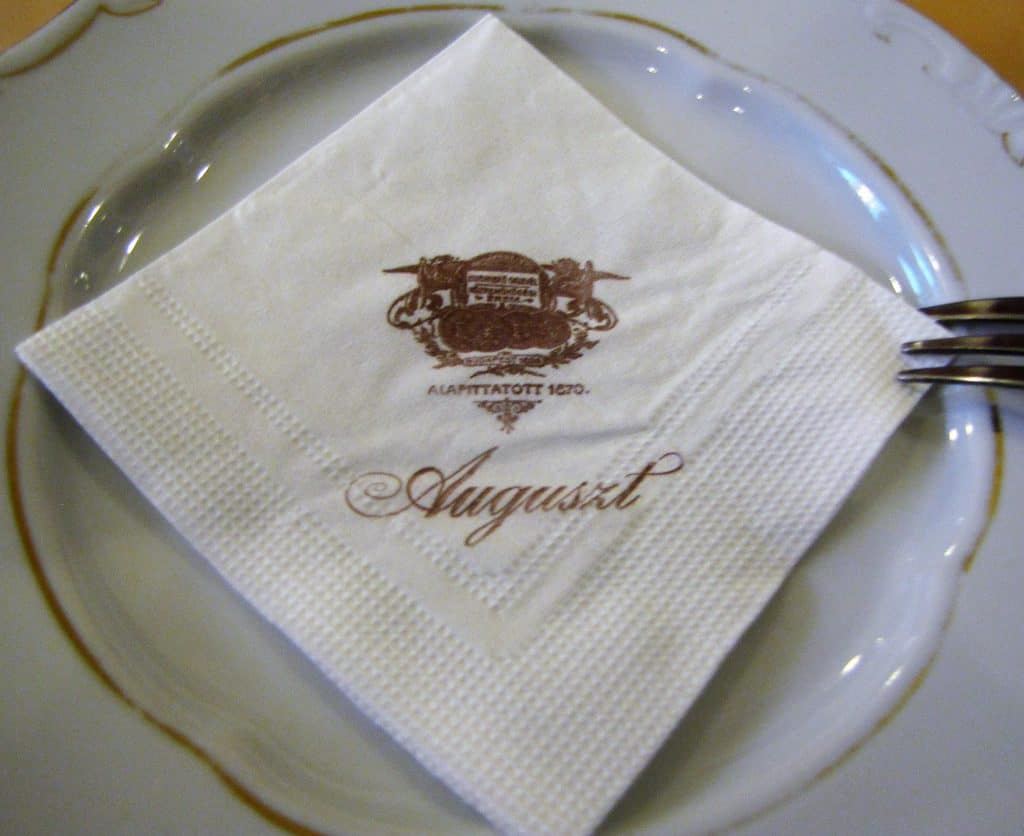 Auguszt Napkin on Plate