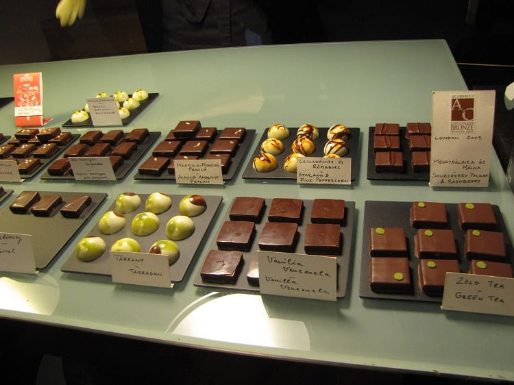 Chocolate 1 r