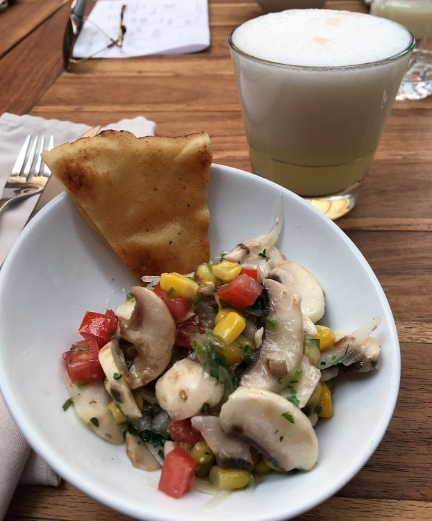 Cocktail and Appetizer