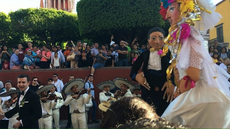 Wedding Mariachi Bank - San Miguel de Allende