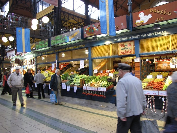 Budapest-Market-Hall-Shoppers