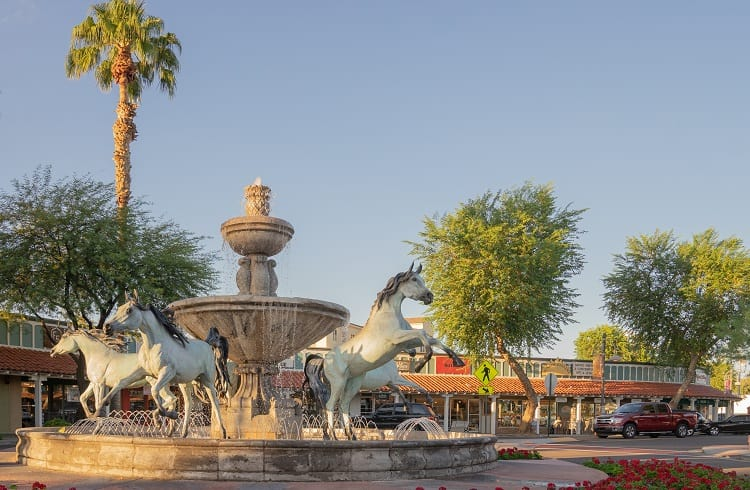 Things to do in Arizona - Shopping in Old Town Scottsdale