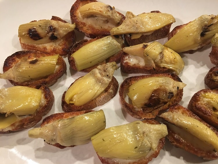 Cheese and Artichoke Canapes