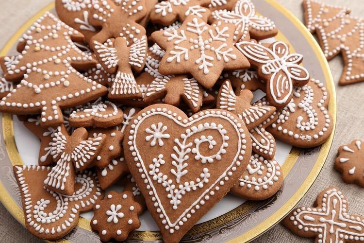 Czech Pernik na Figurky - Gingerbread Cookies
