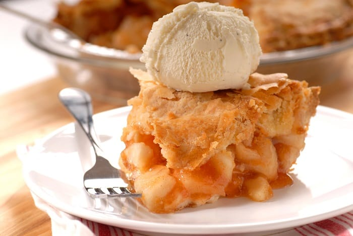 Apple Pie a la mode - Traditional 4th of July Foods